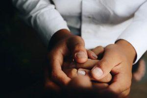 toucher bienveillant